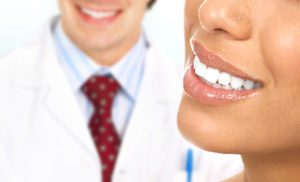 Cosmetic Dentist: Two Options to Fix Cracked or Chipped Front Teeth